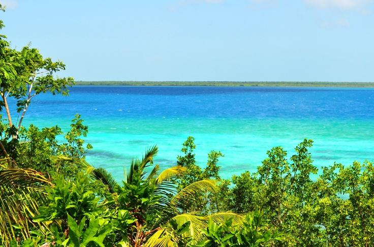 México se Siente en la Laguna de Bacalar, Quintana Roo.  Bacalar's Lagoon, Quintana Roo. Magical Town