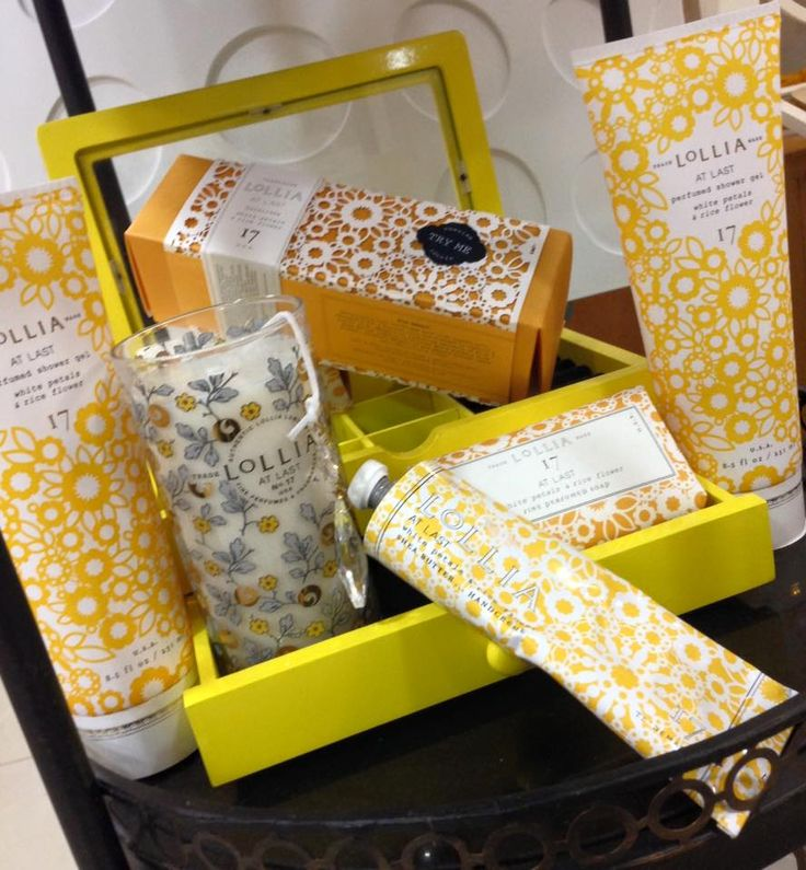Línea Lollia #17  Las más exquisitas fragancias enfrascadas en velas, gel de baño y loción de mano.