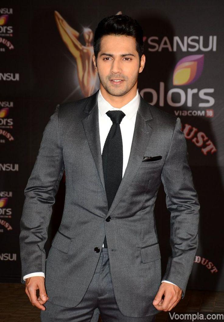 Varun Dhawan rocks a grey suit. via Voompla.com