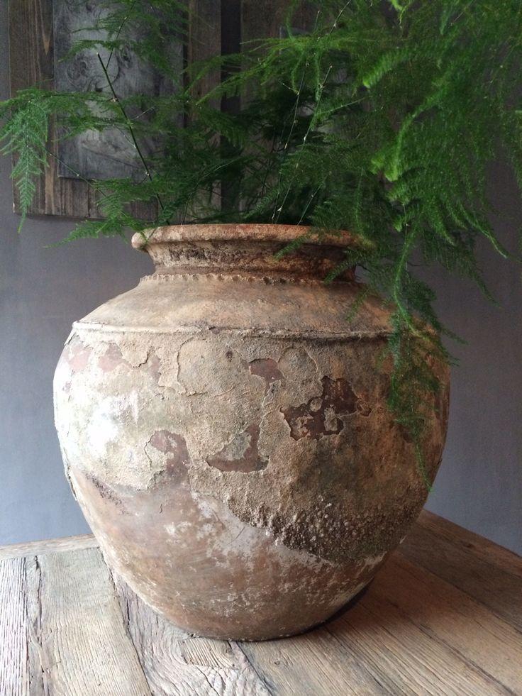 Prachtige oude waterpot.