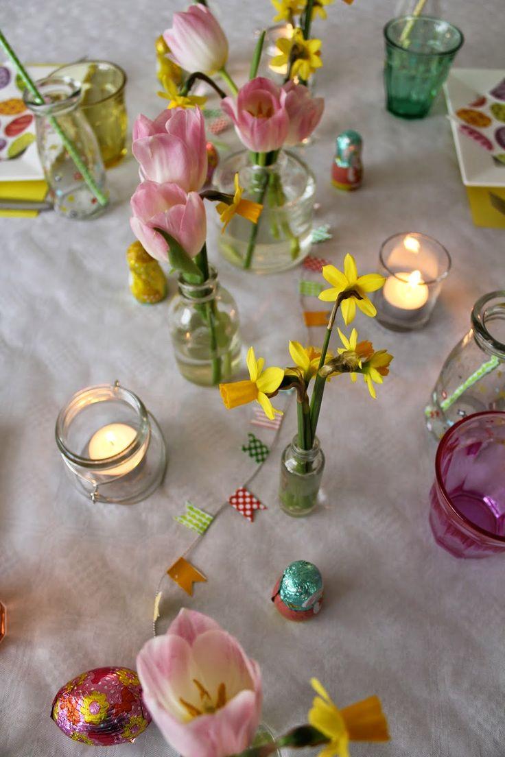 Tafel dekken met Pasen