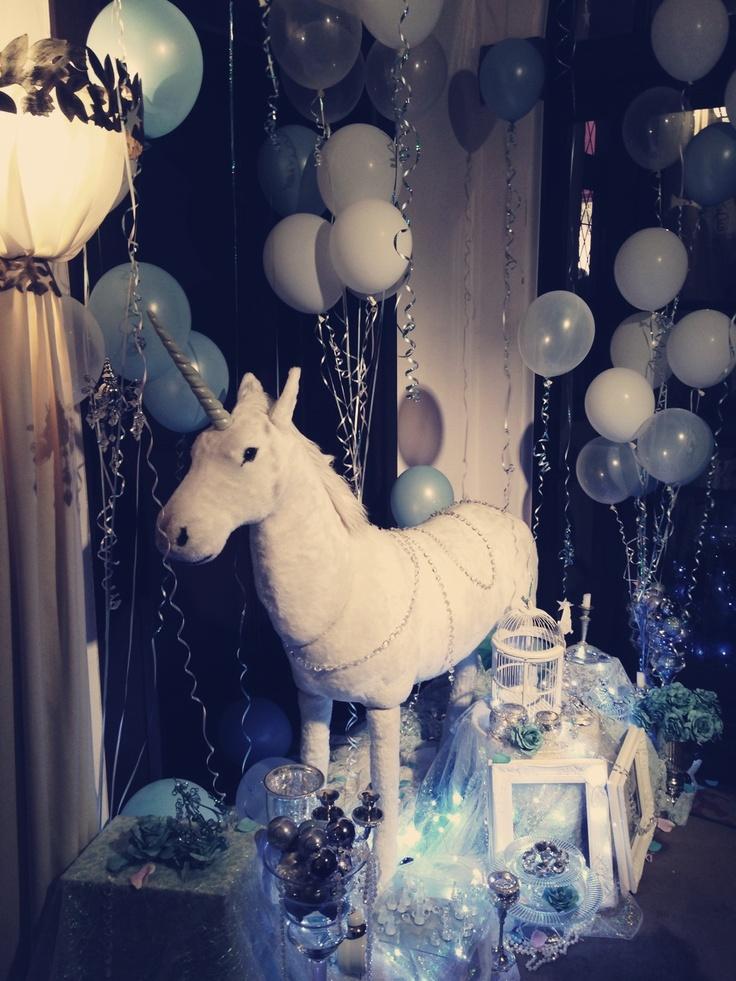 DECOLATION  unicorn