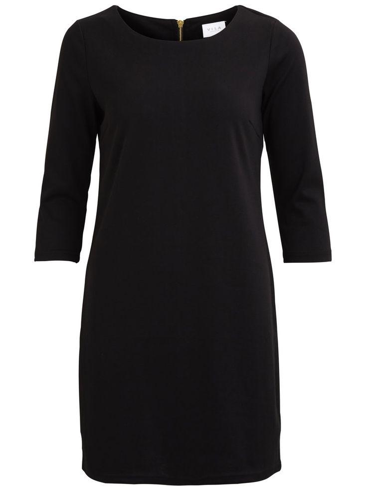 Modellnamn: VITINNY KLÄNNING | Enkel klänning | 3/4-ärmar | Blixtlås bak | Material med stretch | Längd: 89 cm i storlek S | Ärmlängd: 44 cm i storlek S | Modellen är 173 cm lång och bär storlek S | Baskläder är ett måste i varje kvinnas garderob. Kollektionen är enkel, så att du smidigt kan kombinera dina baskläder med feminina, mönstrade och tuffa plagg. Dessutom är de lätta att använda på jobbet samt lätta att klä upp inför kvällen med några få accessoarer som exempelvis ett halsband ...