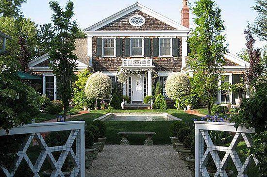 Absolutely beautiful east hamptons shingle style home for Hampton shingle style house plans