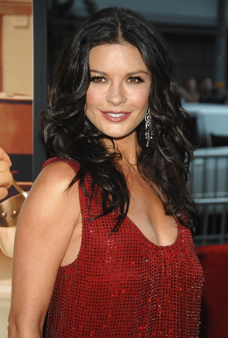 138 besten catherine zeta jones bilder auf pinterest catherine zeta jones ber hmte frauen und. Black Bedroom Furniture Sets. Home Design Ideas