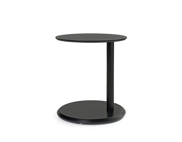 Trivela side table is coated with lacquered finishing on mdf as per RAL code.