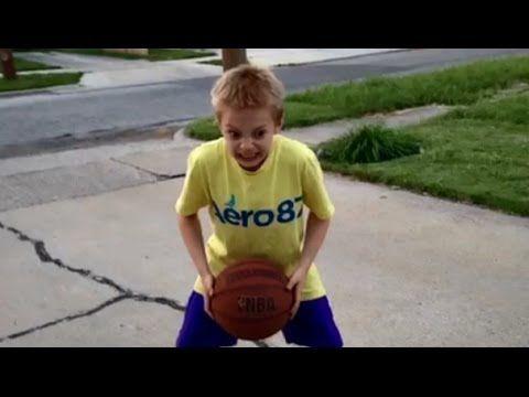 Junge mit badketball yaaaaa - YouTube