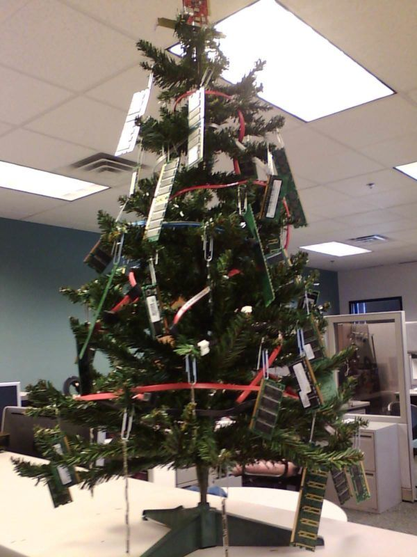 15 Office Christmas Decor Ideas That You Just Can T Afford To Miss Cheerschristmas Office Christmas Decorations Recycled Christmas Decorations Outdoor Christmas Decorations