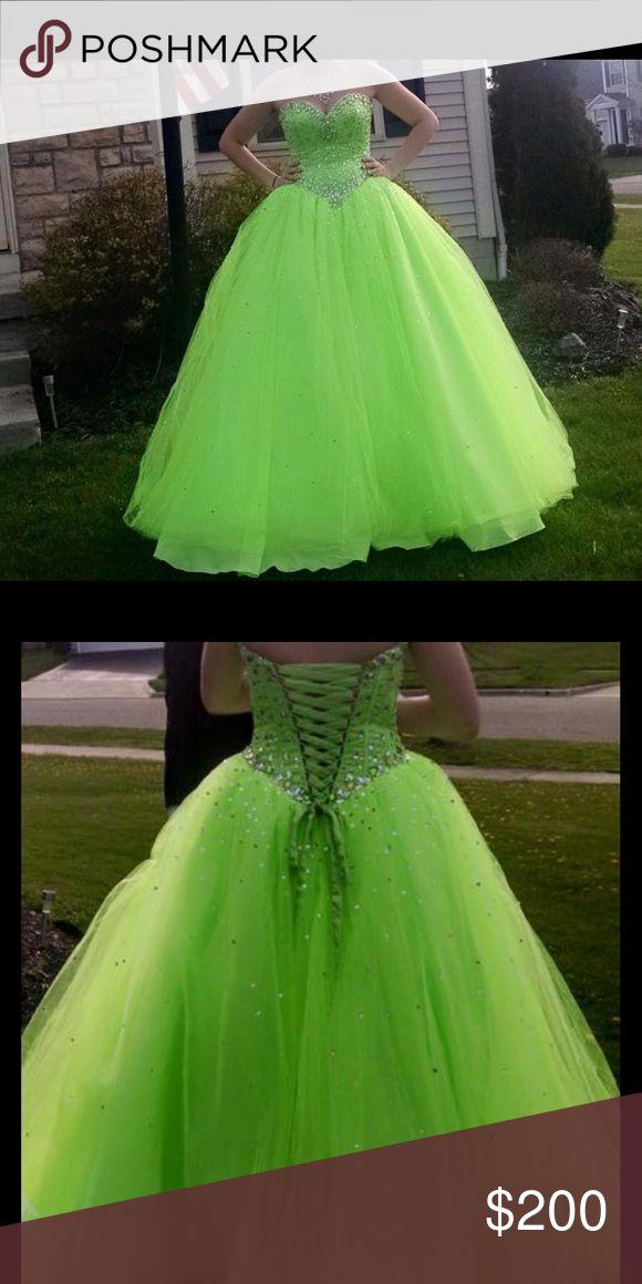 Mori Lee bright green prom dress Mori Lee dress, size 4, worn twice. Mori Lee Dresses Prom