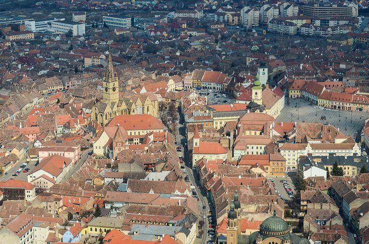 #Transylvania #Sibiu – Piaţa Mică şi Piaţa Mare. (  Dragoş Asaftei  ) - See more at: http://zoom.mediafax.ro/travel/zbor-peste-transilvania-12615195#sthash.D0GirZt6.e8NtyMob.dpuf