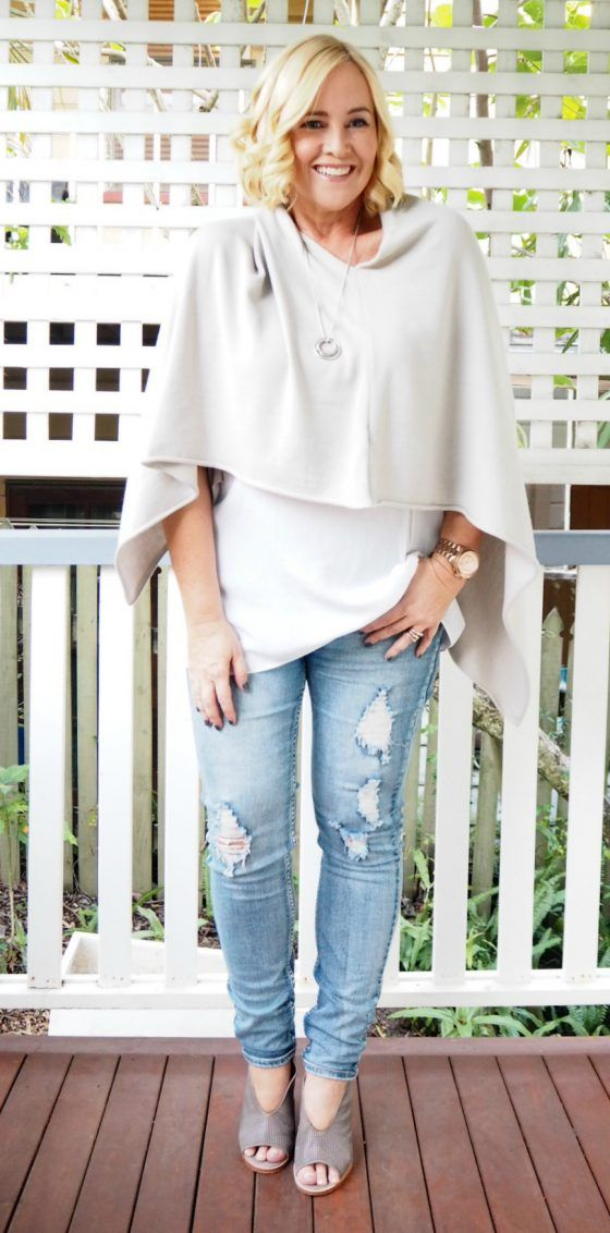 Read and Bell poncho | Mela Purdie top | Bohemian Traders jeans | Zoe Kratzmann wedges