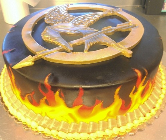 Best 25+ Hunger Games Cake Ideas On Pinterest
