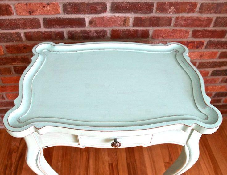 17 meilleures id es propos de meubles d 39 appoint sur pinterest tables de couloir accents de - Peinture a la craie pour meuble ...