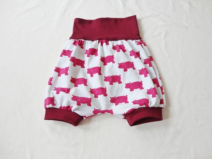 leichte kurze Strampel - Hose, Baby, Sommerhose... von Garn-nele auf DaWanda.com