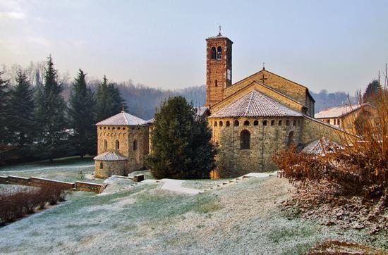 Carate Brianza -Agliate's Basilica-