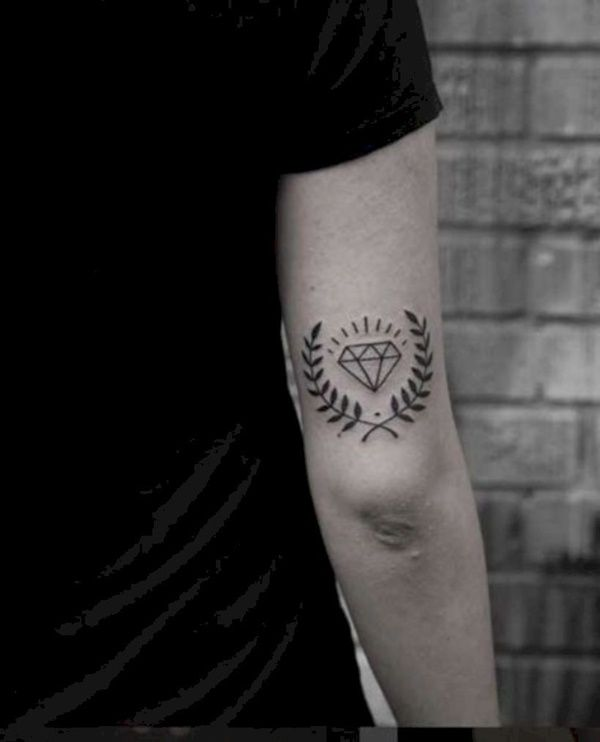 40 Small Tattoo Designs And Ideas For Men Buzz Hippy Small Tattoos For Guys Tattoo Designs Men Tattoos For Guys