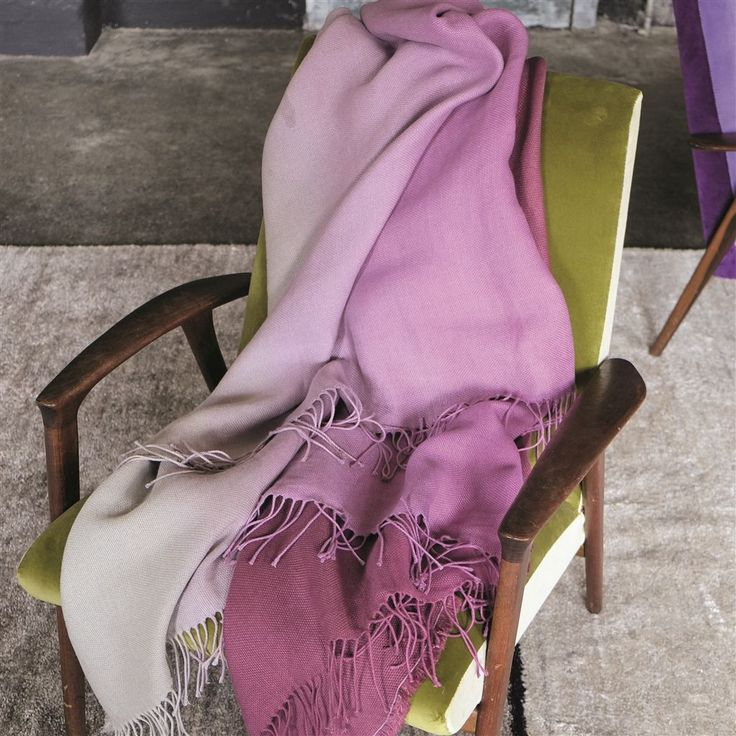 Padua Magenta Throw/ www.di-alma.com