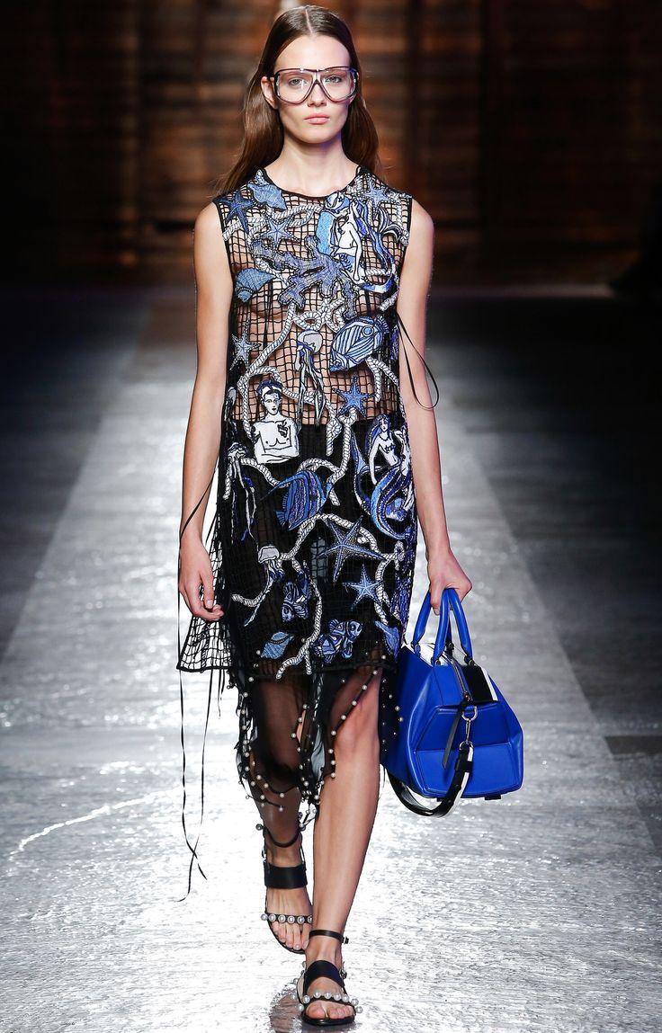 Emilio Pucci // SPRING 2016 READY-TO-WEAR. Mailänder  ModewocheModenschauStil ModeEmilio PucciAlltagsmodeSeltsame Kleider