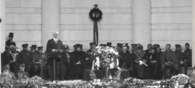 Unknown Soldier of World War I -   President Warren G. Harding  speaks to the attendees.  United States Army Photo