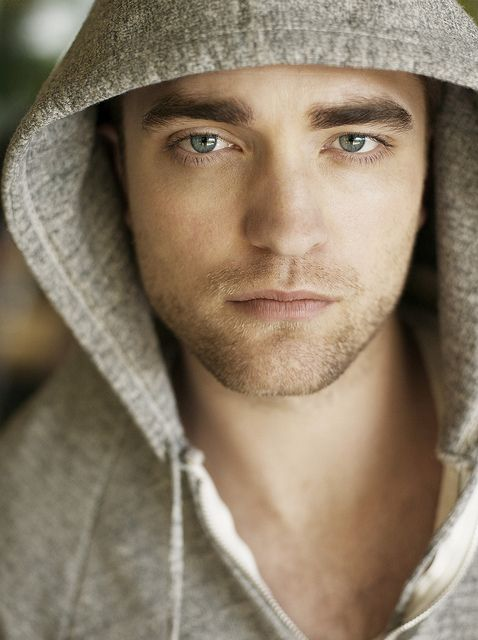 Robert Pattinson....i know i know i hate on twilight, but it's not his fault twilight sucks....he's oddly good looking tho