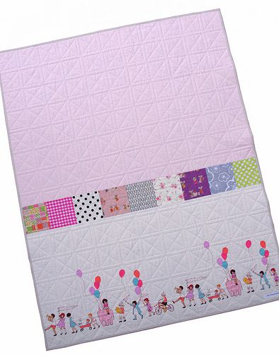Great way to use a panel piece for the back of a quilt.  Perfect for a baby/kid's quilt!  Red Pepper Quilts: Good Ideas, Babyquilts, Baby Quilts, Ideas Labels, F Quilts Sewing Baby, Quilts Back, Balloon, Quilts Baby, Baby Kids Quilts