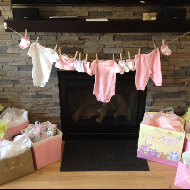 17 best images about baby shower on pinterest shower for Baby clothesline decoration