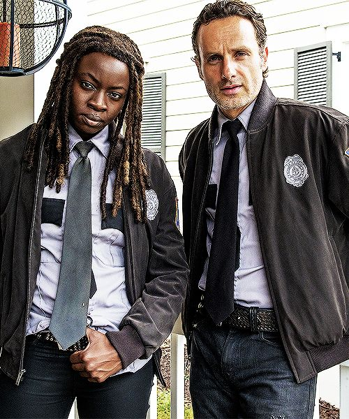 Andrew e Danai nos sets de 513 / Danai Gurira and Andrew Lincoln on set of 5x13