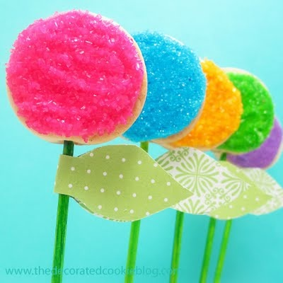 easy-to-decorate flower cookie pops