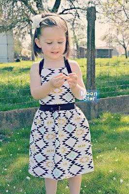 Sweet sweet mantica dress. You need this pattern. Such a cute dress!