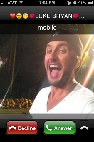LUKE BRYAN CALLED ME LOL TOTALY FREAKED OUT MY MOM. I PRANKED HER. LOL ALL THANKS TO @Sara Thrift  I wouldn't have been able to prank my mom if it wasn't for her!!! Love you SaraPooh!! ❤