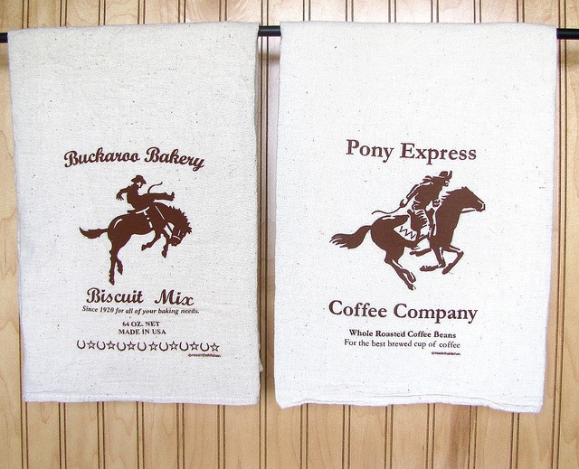 Natural Flour Sack Towels with Buckaroo Bakery/ Pony Express printsExpress Prints, Big Impact, Kitchens Design, Flour Sack Towels, Nature Flour, Design Prints, Buckaroo Bakeries, Kitchen Designs, Mail Offering