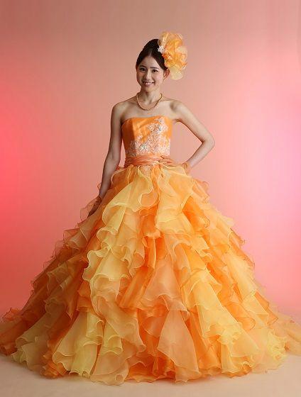 ウエディングドレス、高品質な結婚式ドレスならW by Watabe Wedding / オレンジ・プリンセスライン・カラードレス