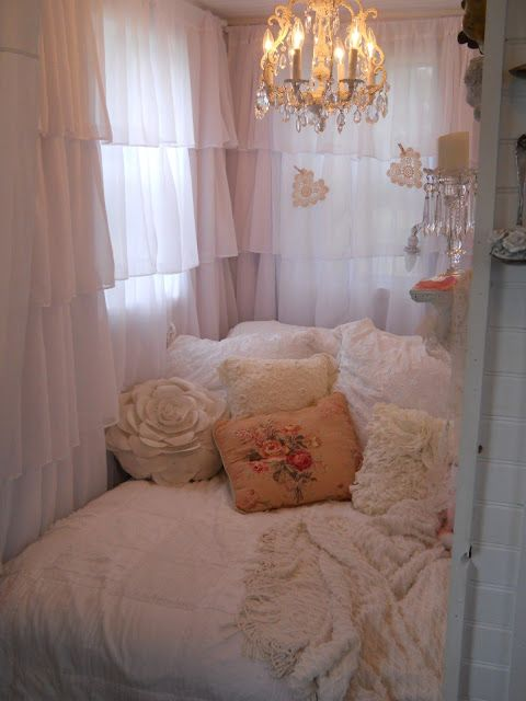 Shabby Chic Small Bedroom Ideas Part - 36: Shabby Chic Tiny Retreat: Hosting A Party In A Tiny House