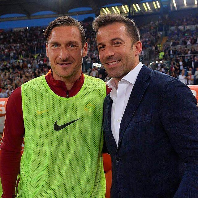 Two Italian legends! ⚽️🇮🇹🙌  #Eurosport #Football #Soccer #Futbol #Calcio #Italia #Italian #Italy #Francesco #Totti #FrancescoTotti #Legend #Rome #Roma #AS #ASRoma #King #KingOfRome #SerieA #Scudetto #Capitano #IlCapitano #DelPiero #Juventus #Juve #Legends 📷: @asroma