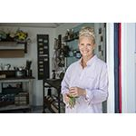 Actress Monica Potter Renovates Her Childhood Home in New HGTV Series 'Welcome Back Potter'