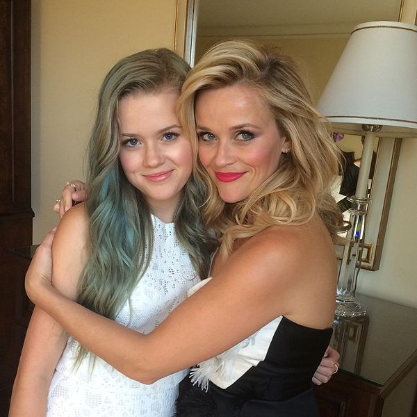 6 Times Reese Witherspoon Twinned with Her Children   WHEN REESE ATTENDED THE HOT PURSUIT PREMIERE WITH AVA   The only difference between Witherspoon and her 16-year-old daughter is their dresses and hair color.