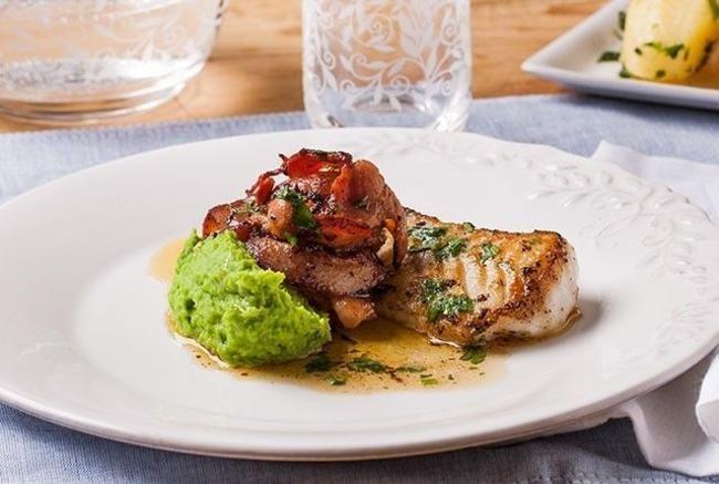 Pannestekt torsk med ertepuré