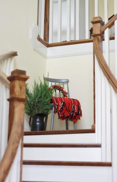 Sweet Little Vignette On Stair Landing Holiday Decorating