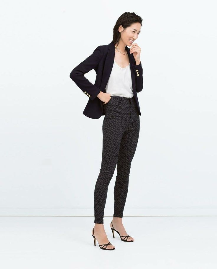 A classic closet staple -- snag this structured blazer now!
