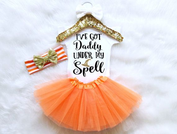Ik heb Papa onder mijn Spell Halloween Baby meisje Outfit. Witche de hoed…