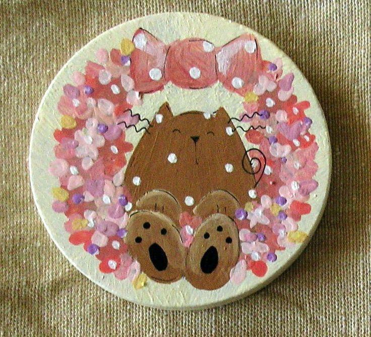 calamita legno dipinta a mano gatto fiori rosa- hand painted wood magnet cat