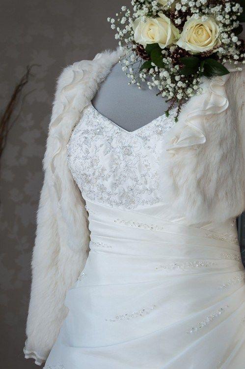 sposa-d'inverno-accessori.  www.carla.it