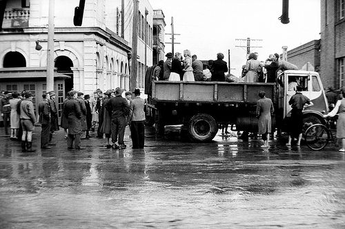 People being rescued during the Maitland Flood, 1955: Lucey Collection