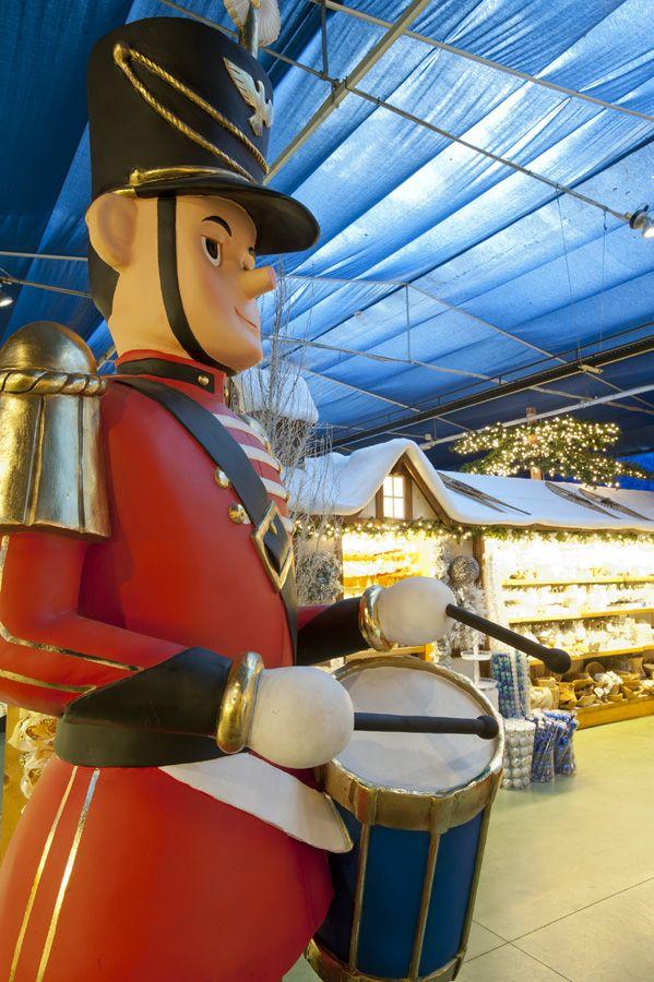 Anche un soldatino accoglie gli ospiti nel regno magico di Babbo Natale! #christmas #winter #toy