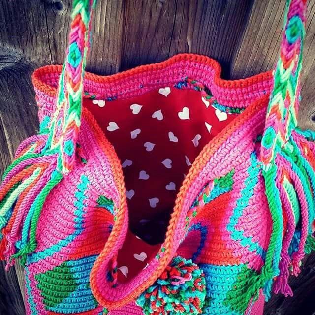 Mochila bag! Prachtige kleuren .... gemaakt door Marika!!  https://m.facebook.com/mijnschoonzusenik