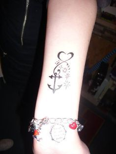 Fashionable Anchor Tattoo on Girls Wrist