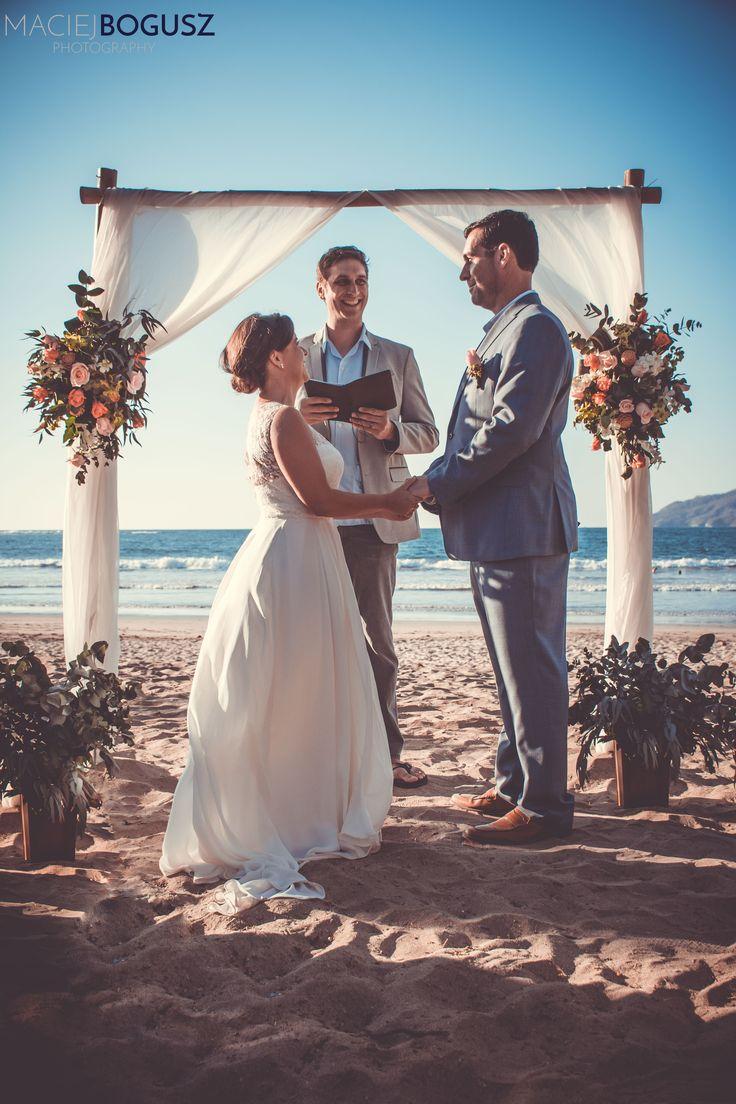 Beach ceremony in Costa Rica #beachceremony #weddingcostarica #costaricawedding #weddingceremony #arch #flowers #romantic #beautiful #bride #groom