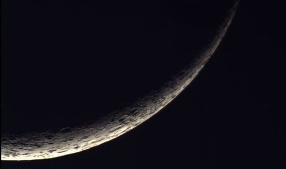How To Perform A New Moon Meditation