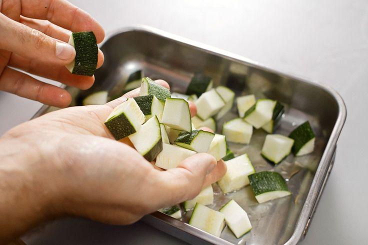 Летняя запеканка из кабачков, пошаговый рецепт с фотографиями – закуски. «Афиша-Еда»