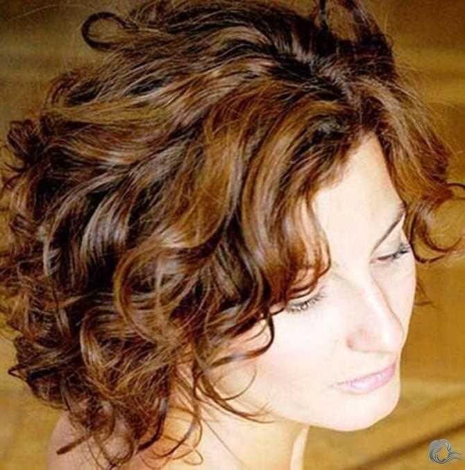 Beste Damen Lockig Bob Frisuren 2019 Kurzhaar Frisuren Damen Bob Frisur Lockige Bob Frisuren Lockige Frisuren